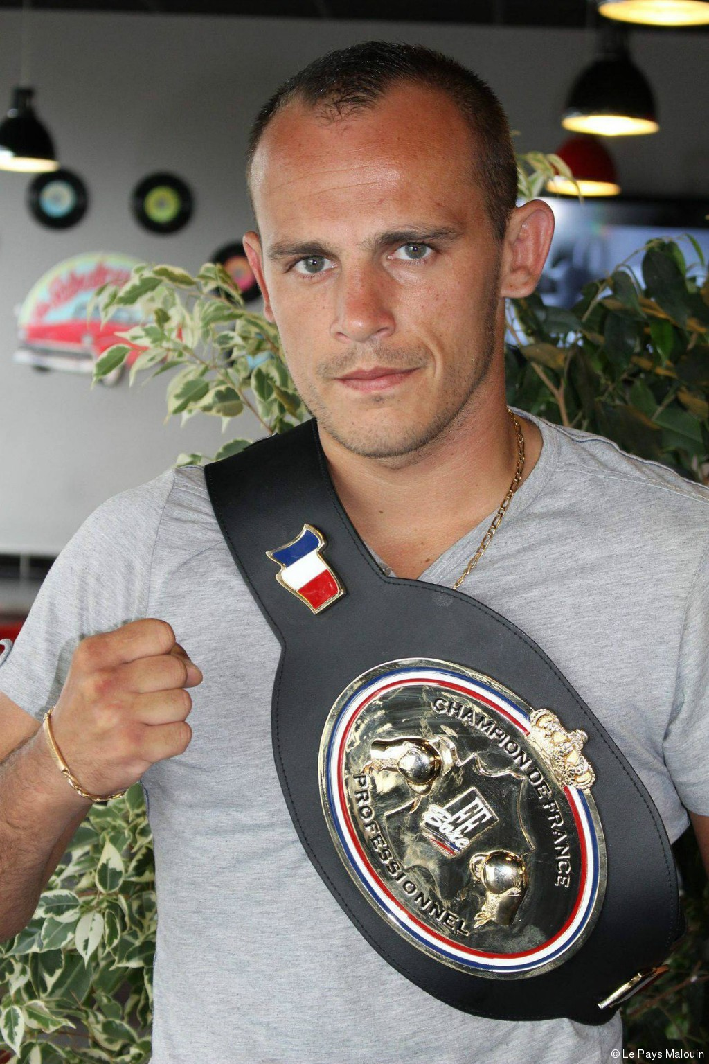 picture of boxer damien martin